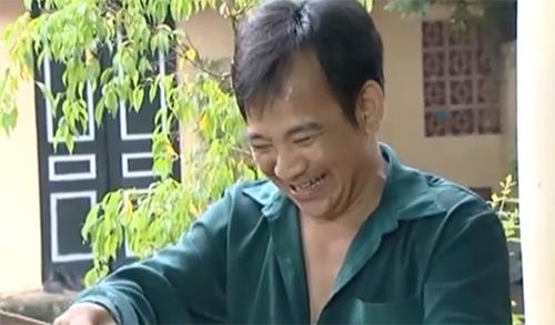 """Diễn viên Quang Tèo trong một phân cảnh của tiểu phẩm """"Đếm Cua Trong Lỗ""""."""