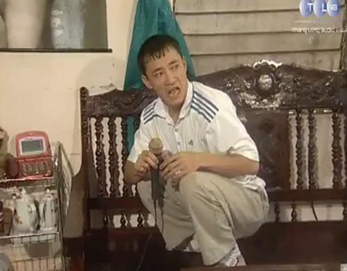 """Diễn viên Thanh Dương trong một phân cảnh của tiểu phẩm """"Quan Hệ Rộng""""."""