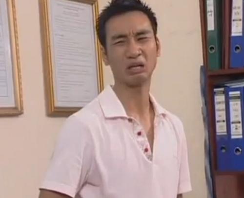 """Diễn viên Thành Trung trong một phân cảnh của tiểu phẩm """"Lợn Vàng Chạy Sô""""."""