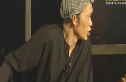 Hoài Linh trong một cảnh của 'Người Nhà Quê'