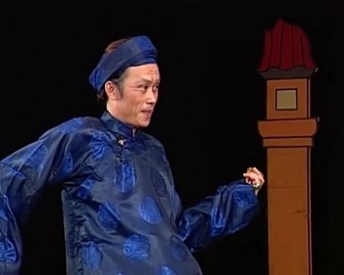 Hoài Linh vào vai phú ông già nua trong 'Quả Đào Lửa'