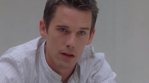 Ethan Hawke trong vai James Costa - nhân chứng đã chứng kiến tên giết người ra tay với nạn nhân cuối cùng.