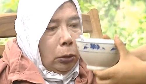 Sư phụ của Tiểu Long trong ''Kungfu Cook''.