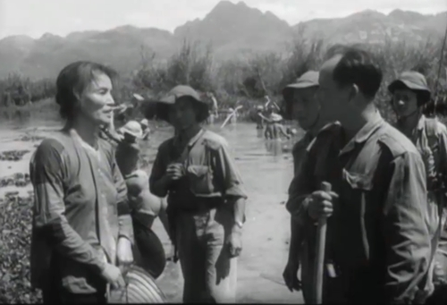 Một cảnh trong phim ''Đường Về Quê Mẹ''