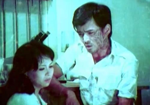 Tình cảm của Hà dành cho anh cũng dần phai nhạt trong phim ''Tình Yêu Và Khoảng Cách''