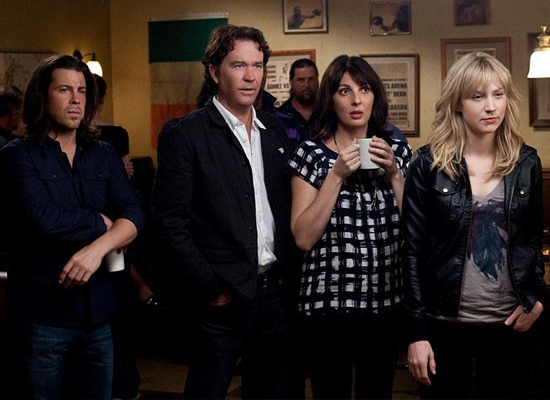 """Một phân cảnh cả đội của Nate Ford trong phim bộ """"Leverage""""."""