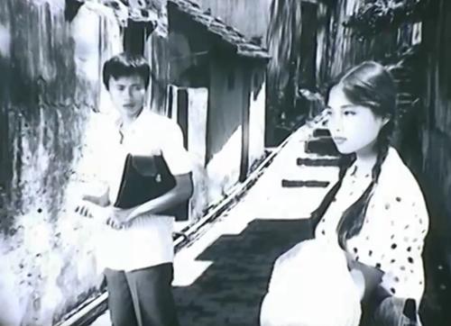 Nữ diễn viên Lê Vi xinh đẹp trong phim ''Truyện Cổ Tích Cho Tuổi Mười Bảy''