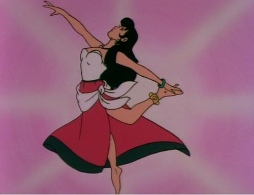 """Nàng Esmeralda xinh đẹp đang nhảy múa trong phim """"The Hunchback of Notre Dame""""."""