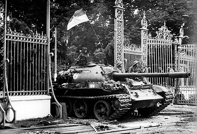 Phim ghi lại một số sự kiện lịch sử quan trọng trong tiến trình Quân Giải phóng tiến vào thành phố Sài Gòn.