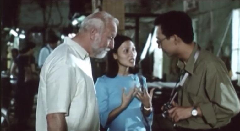 Một cảnh trong phim ''Hàng xóm''
