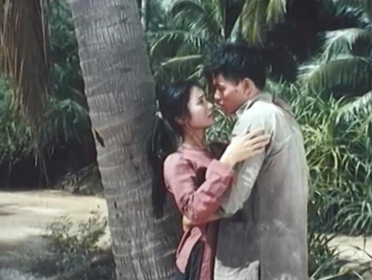Ngô Quang Hải và Thu Hà trong một pha diễn tình cảm