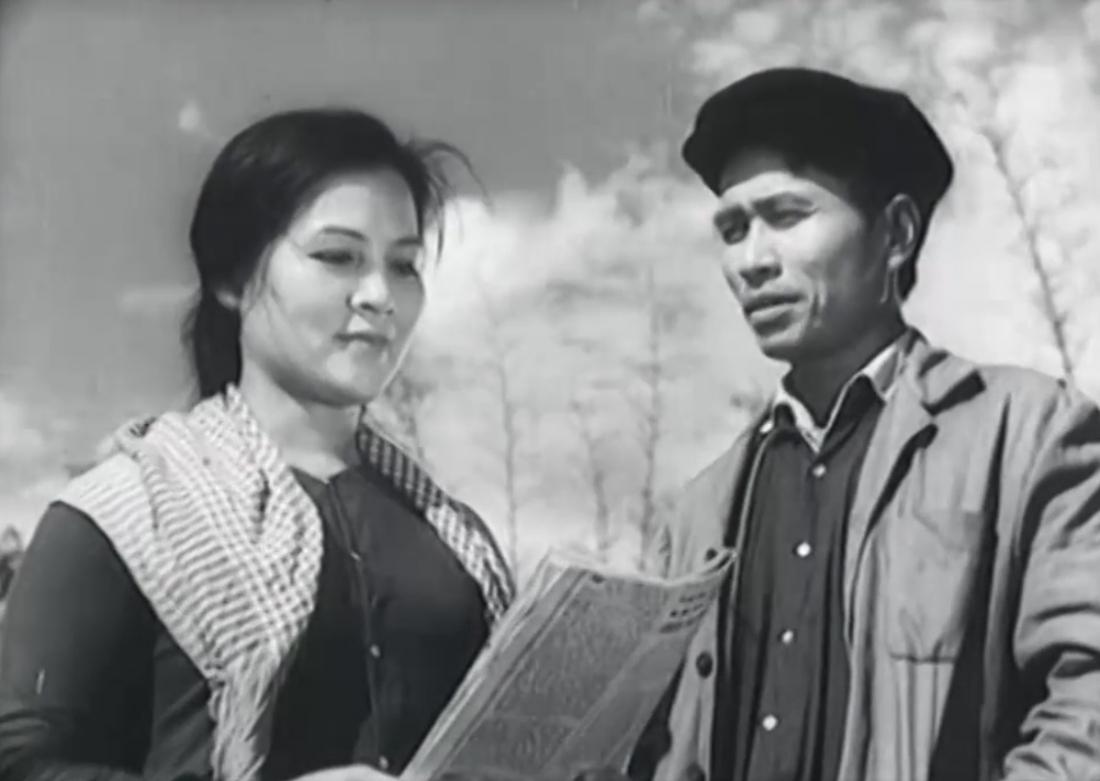Bộ phim ''Quê Nhà'' kể về câu chuyện xây dựng nông thôn thời kỳ hậu chiến của những con người hăng hái, nhiệt thành và yêu quê hương.