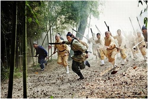 Bối cảnh phim ''Thiếu Lâm Nam Phái'' được đặt vào cuộc chiến tranh với Oa quốc thời Gia Tĩnh từ năm thứ 29.