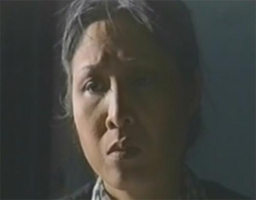 Hồng Vân vào vai bà ngoại trong tiểu phẩm 'Chuyện Trầu Cau'