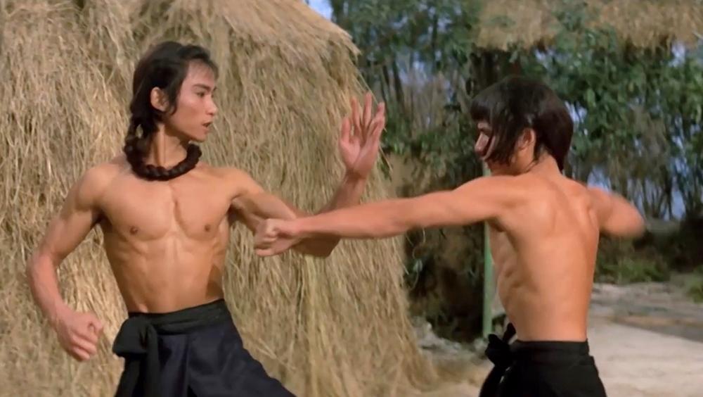 Họ luyện tập ngày đêm để báo thù trong phim ''Shaolin Martial Arts''