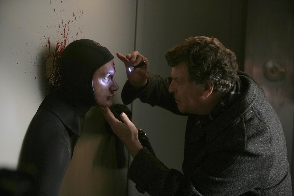 Những cái chết bí ẩn được xâu chuỗi trong phim ''Fringe''