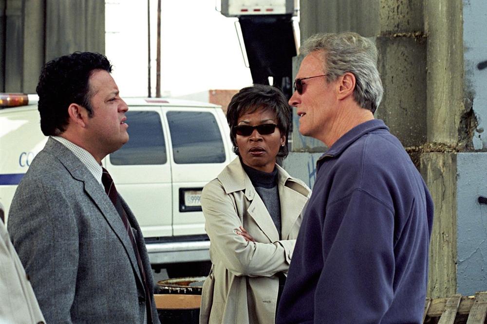 Qua vụ việc, Terry dần nhận ra kẻ thủ ác chính là tên tội phạm mình từng truy đuổi năm xưa