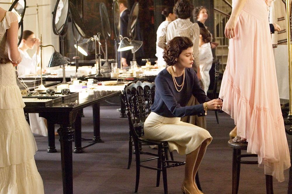 Trước khi sáng lập ra thương hiệu thời trang xa xỉ bậc nhất - Chanel, Coco cũng phải trải nhiều thử thách