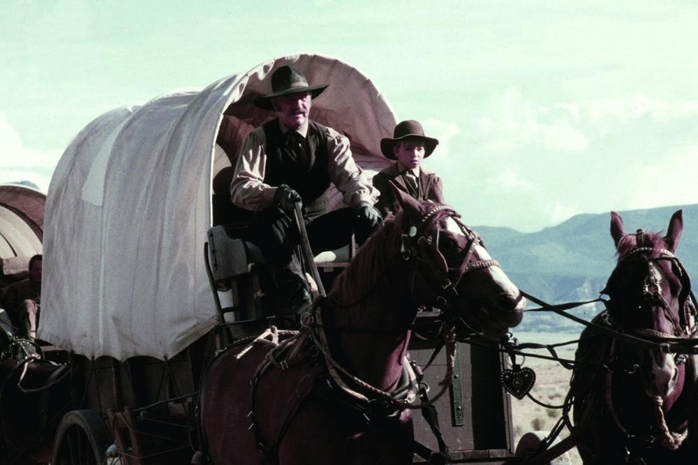 Bộ phim tái hiện cuộc đời Wyatt Earp, một nhân vật huyền thoại trong lịch sử của miền viễn Tây nước Mỹ