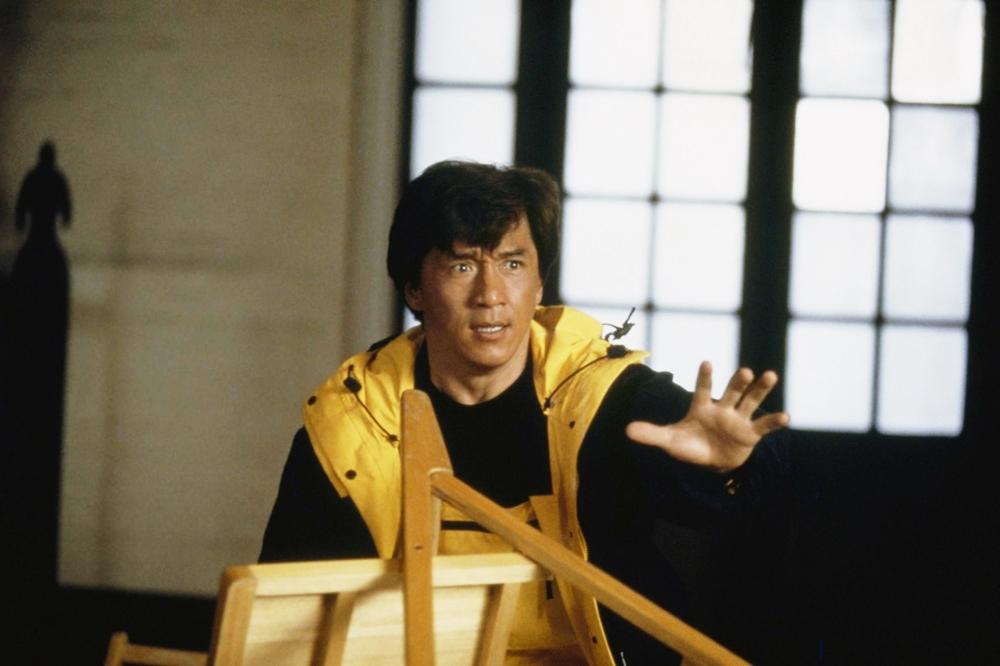 Anh bất đắc dĩ phải trải qua cuộc phiêu lưu nguy hiểm khi anh được biệt phái ra nước ngoài trong phim ''Jackie Chan's First Strike''