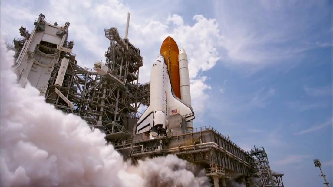 Tên lửa đưa các phi hành gia lên không gian làm nhiệm vụ.