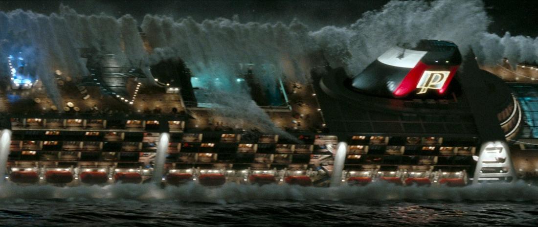 Giây phút tàu Poseidon gặp bão và bị lật nhào.