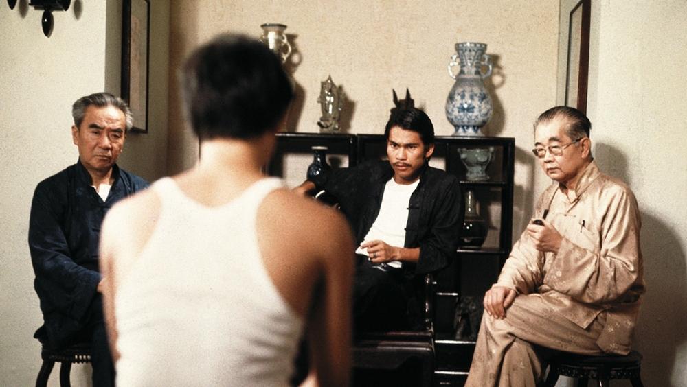 Đại ca Thành dạy bảo đàn em khi mắc lỗi trong phim ''The Tea House''