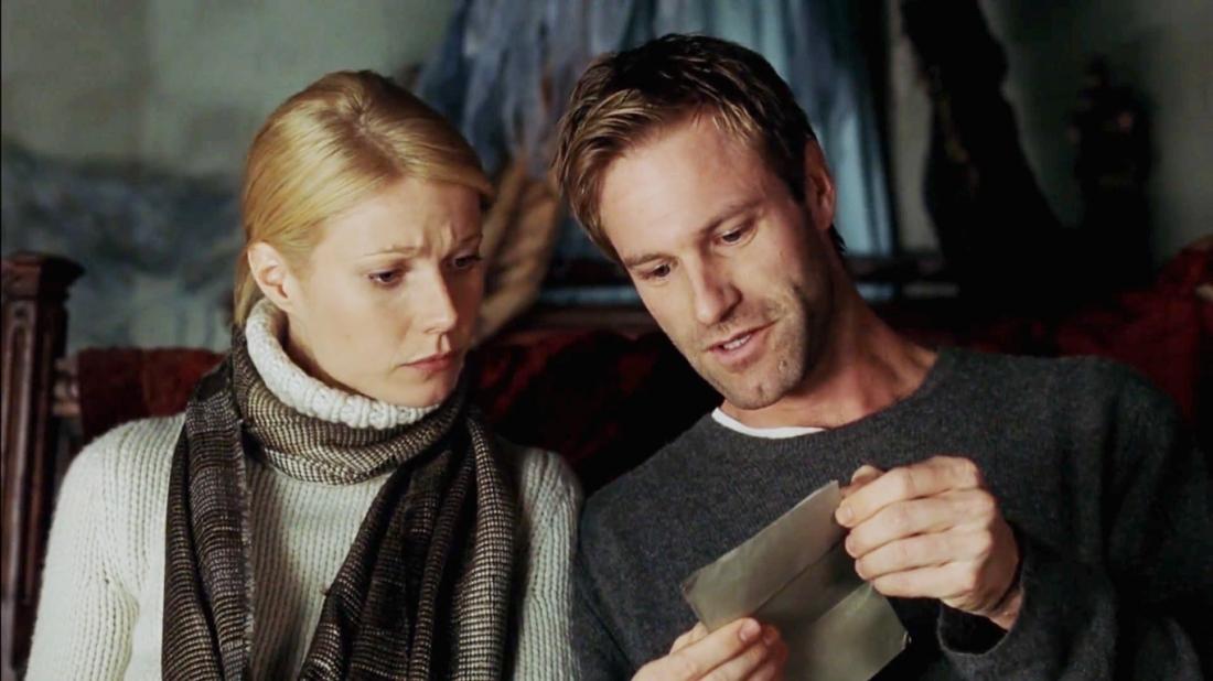 Học giả người Mỹ Roland Michell và Tiến sĩ Maud Bailey trong phim ''Possession''.