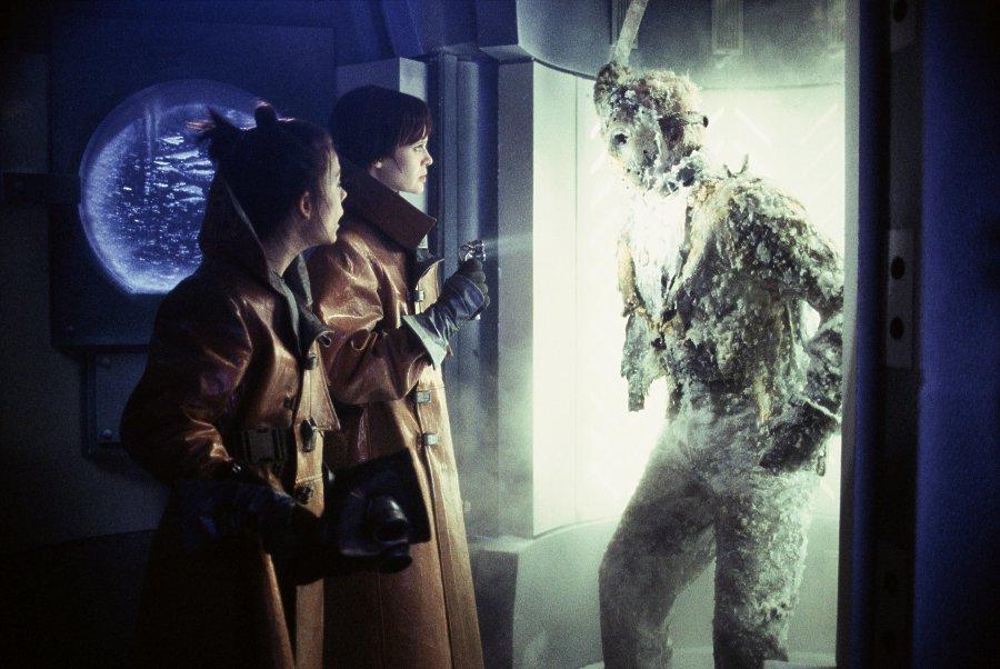 Ở thế kỷ 25, một nhóm nhà nghiên cứu đã phát hiện ra Jason Voorhees bị đông lạnh.