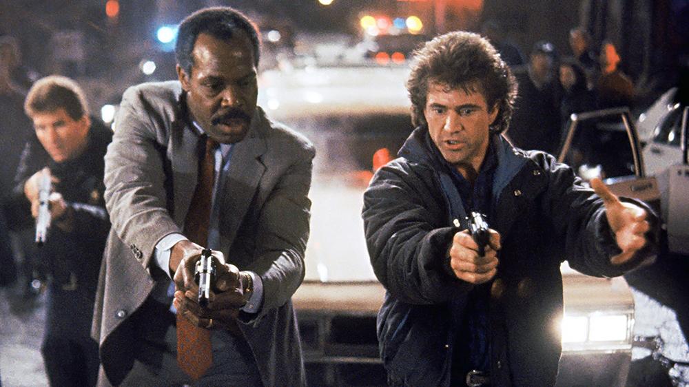 Bộ đôi cảnh sát Roger Murtaugh và Martin Riggs do Mel Gibson và Danny Glover thủ vai.