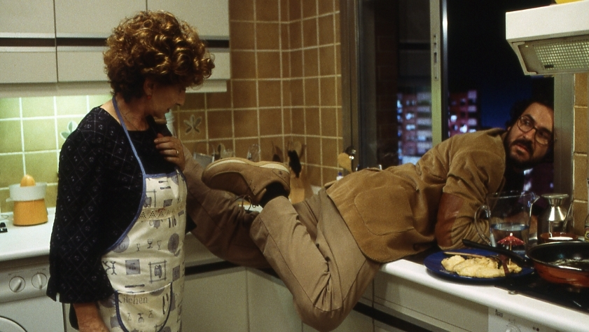 Rafi xuống bếp làm phụ mẹ vợ tương lai nhưng bất ngờ gây ra họa lớn trong phim ''Only Human''