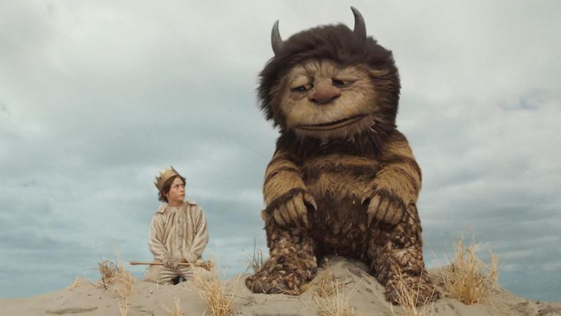 Tới hoang đảo, Max đã gặp quái vật tốt bụng Carol.