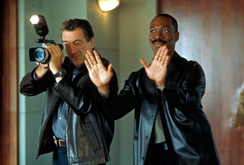 Mitch là một thanh tra mẫn cán, trong khi Trey chỉ thích đóng phim.