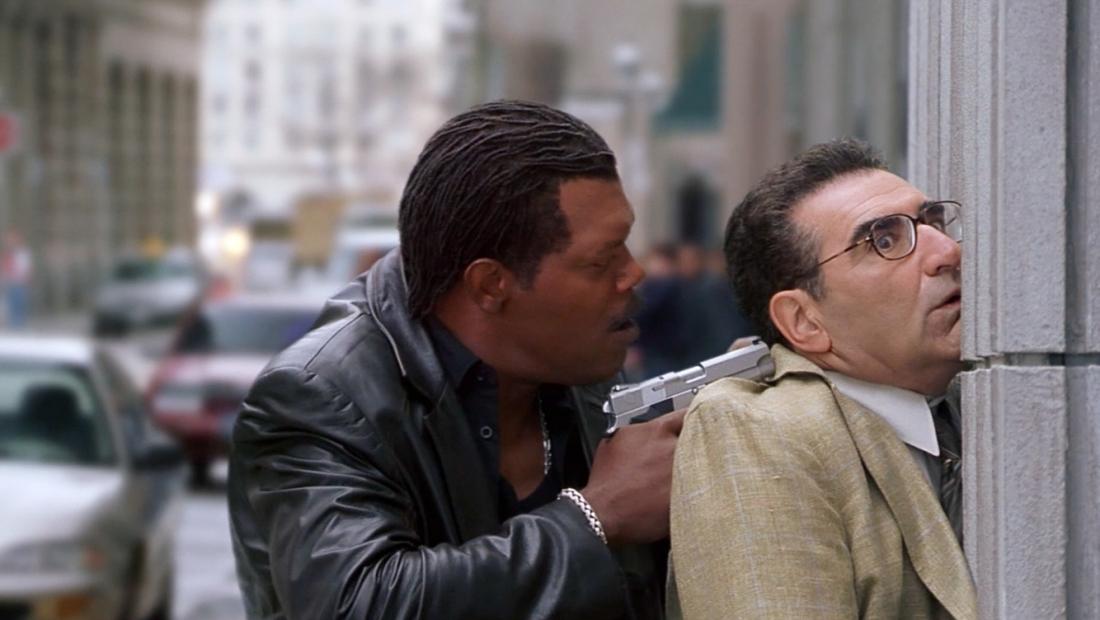 Andy xui xẻo bị gài bẫy và bị đặc vụ Derrick Vann bắt tại trận.