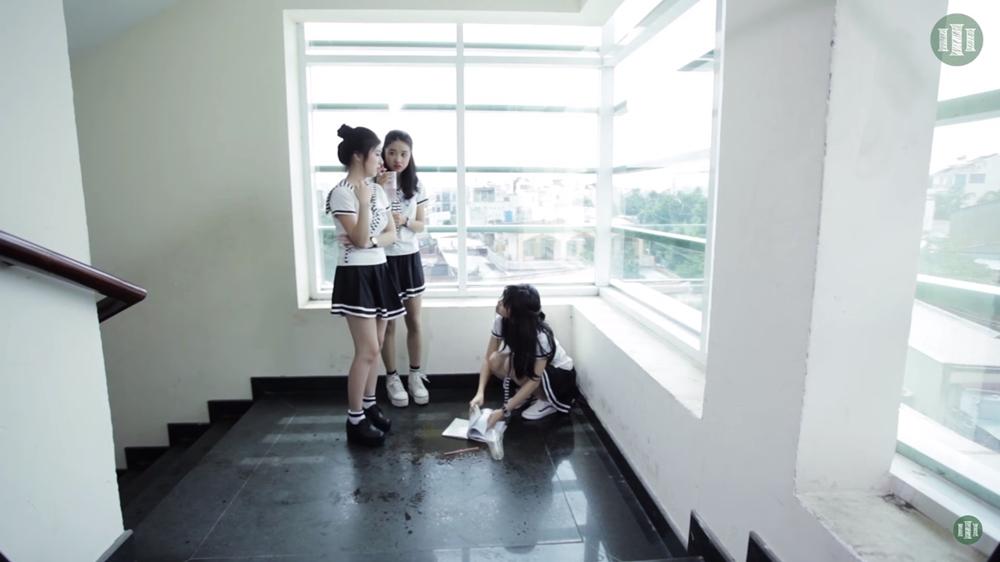 Phim không chỉ cho thấy được sự tươi sáng của tuổi trẻ, nó còn lột tả được những góc khuất, nhưng sự đố kị, ganh ghét lẫm nhau của những cô cậu học trò khi còn trên ghế nhà trường