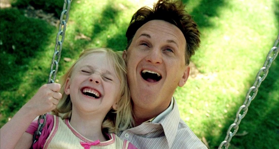 Sean Penn vai ông bố ngờ nghệch Sam Dawson và Dakota Fanning vai cô con gái bé bỏng Lucy.
