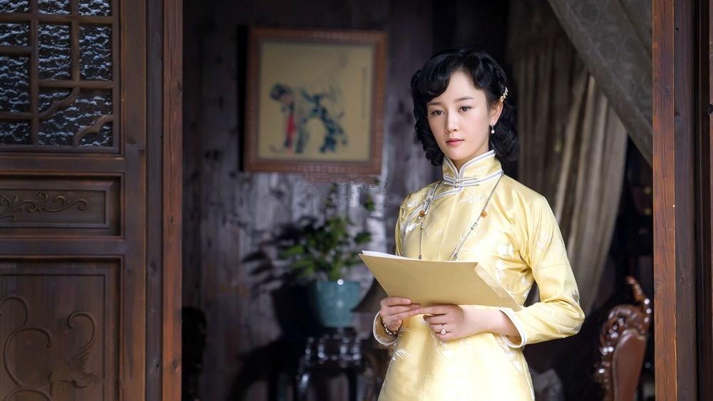 Thẩm Bích Vấn, người phụ nữ thông minh, xinh đẹp vừa là người khiến sóng gió Tuyên Gia nổi lên, vừa là ân nhân của Tuyên Gia