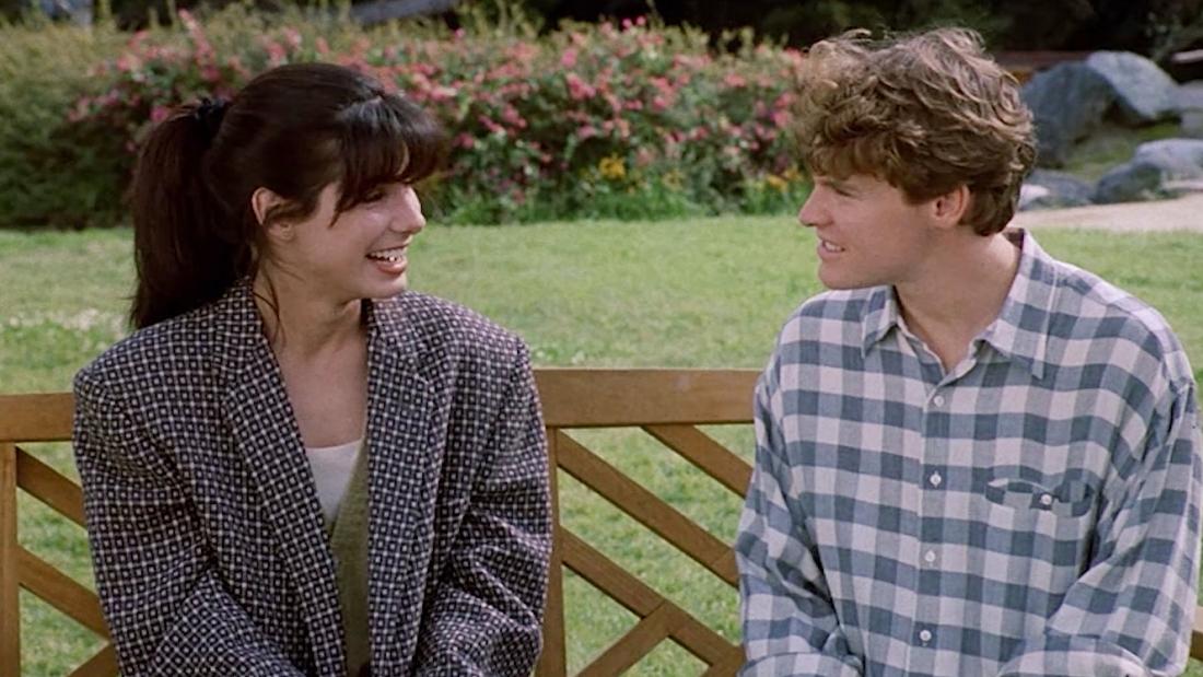 Sandra Bullock trong vai Diane Farrow và Tate Donovan vai Paul Matthews.