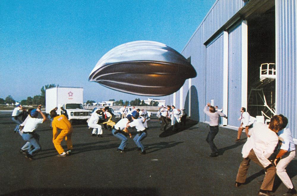 Đĩa bay của người ngoài hành tinh trong ''Flight Of The Navigator''.