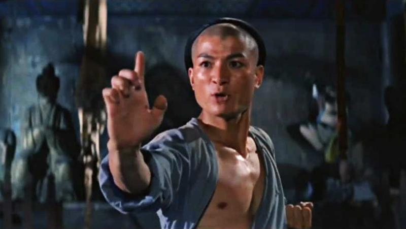 Cũng có hai người đàn ông khác từ phía Nam chùa Thiếu Lâm có cùng mục tiêu ám sát Hách Sách.