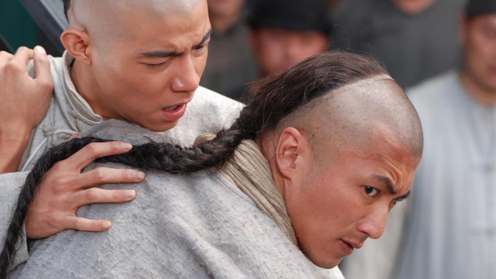 Tạ Đình Phong trong một cảnh phim ''Bodyguards And Assassins''.
