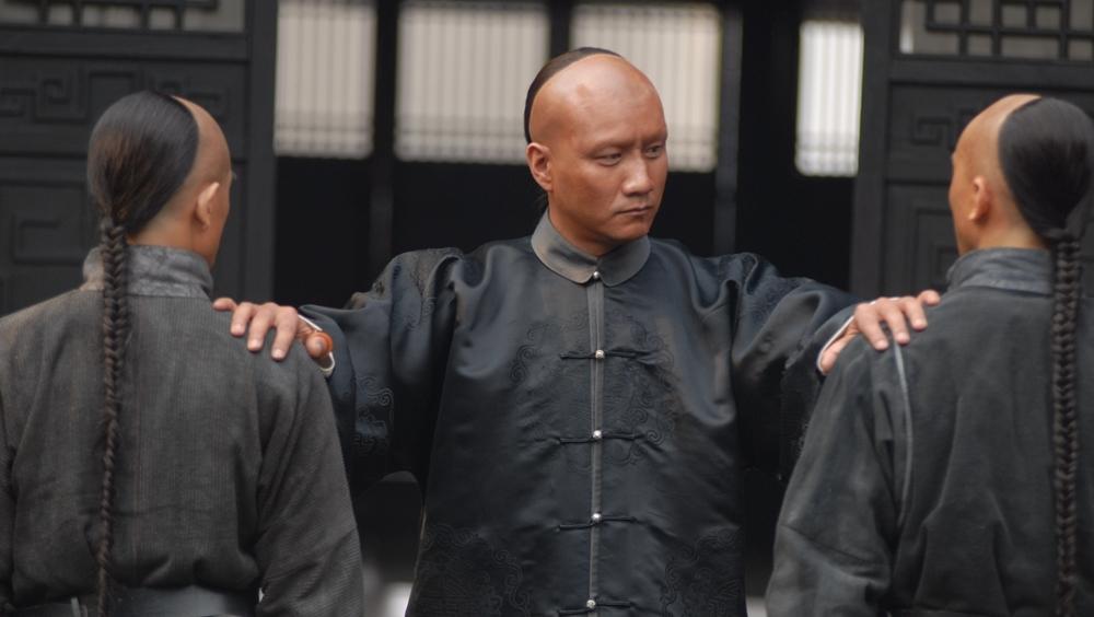Khi biết Tôn Trung Sơn đến Hồng Kông để bàn về kế hoạch khởi nghĩa với Trung Quốc Đồng Minh Hội, triều đình Mãn Thanh đã phái người ám sát ông.