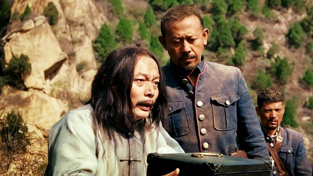 Với sự trợ giúp của sư gia Thăng, huyện trưởng chính thức tuyên chiến với Ma Phỉ và Hoàng Tứ Lang