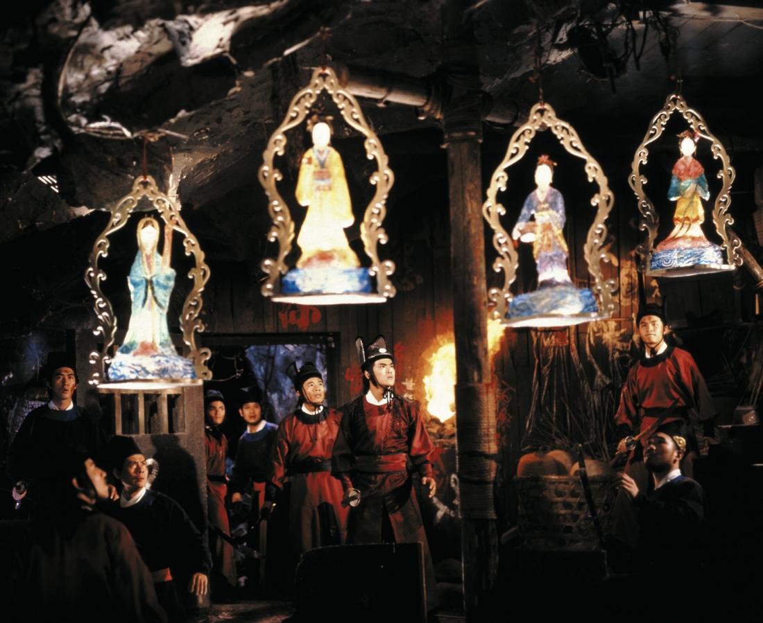 Những chiếc đèn lồng da người do gã đồ tể Trịnh Xuân Phương làm ra.