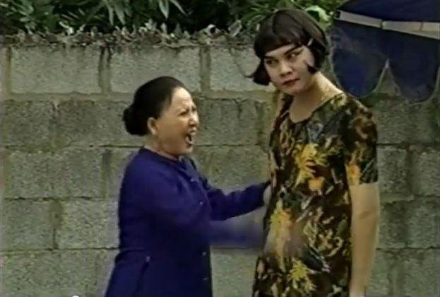 Nghệ sĩ Hồng Nga cũng có một vai diễn ấn tượng trong phim