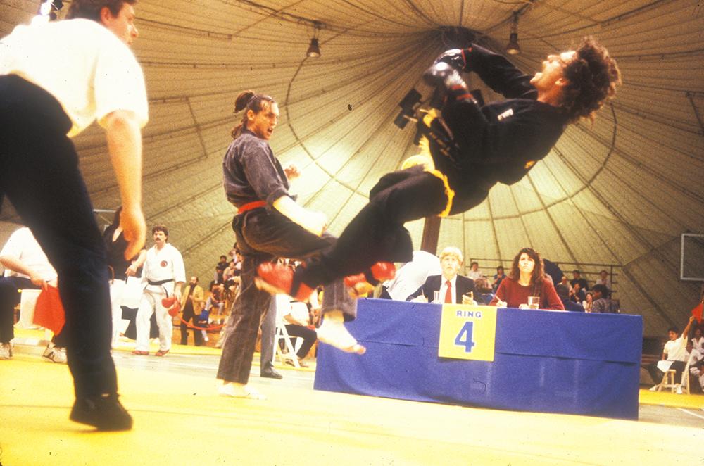 Những võ sĩ karate Mỹ chiến đấu hết mình trên sàn đấu.