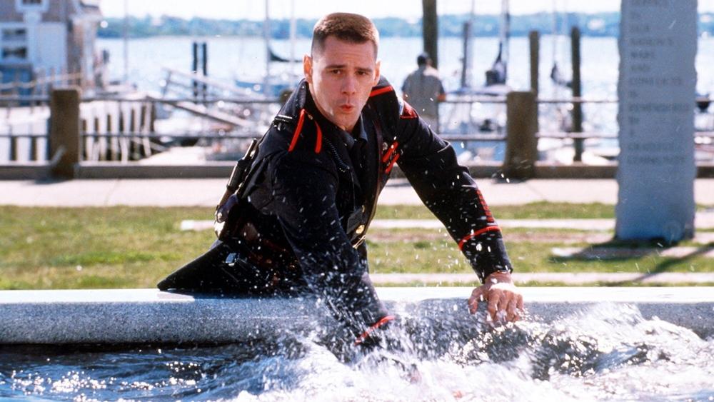 Charlie Baileygates là một cảnh sát tốt bụng, hay giúp đỡ người khác ở vùng Rhode Island