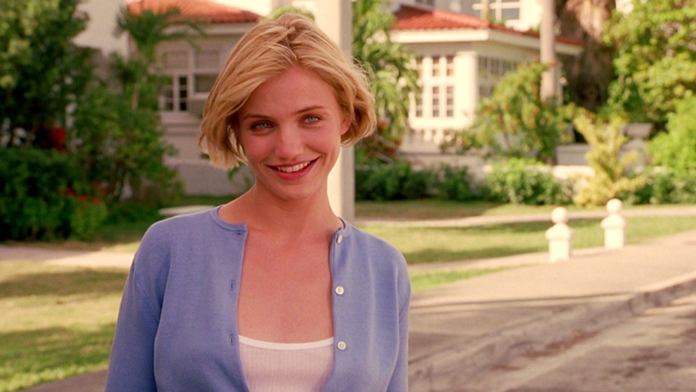 Vào ngày cuối cùng của năm học, Ted dự định mời Mary, một trong những cô gái xinh đẹp và nổi tiếng nhất trường đi dạ hội.