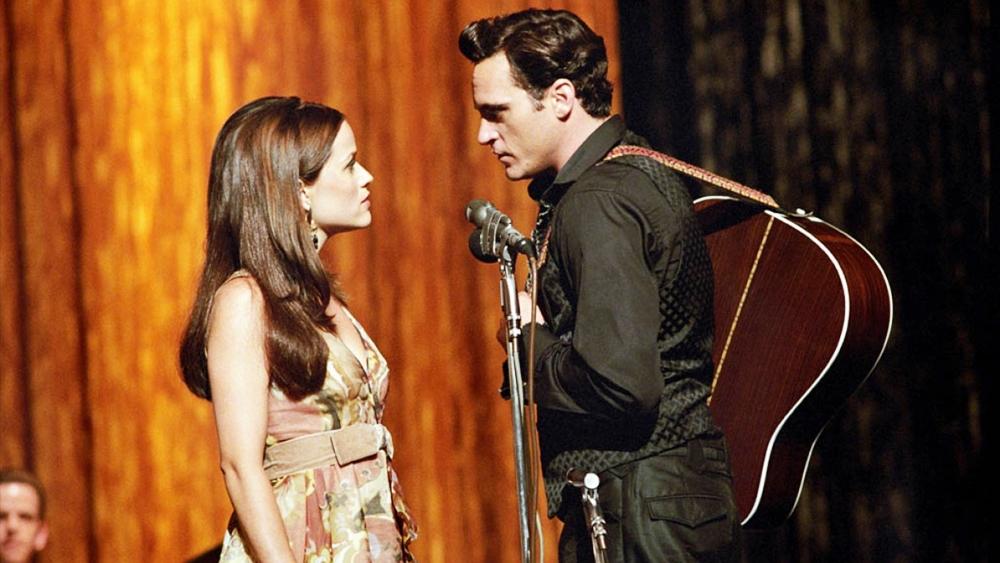 Một thời gian sau khi lập gia đình cùng Vivian, ông tham gia một chuyến lưu diễn cùng cô nàng June Carter xinh đẹp và nổi tiếng.