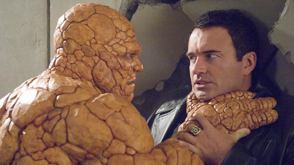 Bộ Tứ Siêu Đẳng đồng thời tiếp tục đối mặt với kẻ thù truyền kiếp Dr. Doom